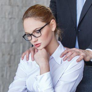עורך דין עבירות מין האם הטרדה מינית מחייבת מגע פיזי הטרדה מינית בעבודה